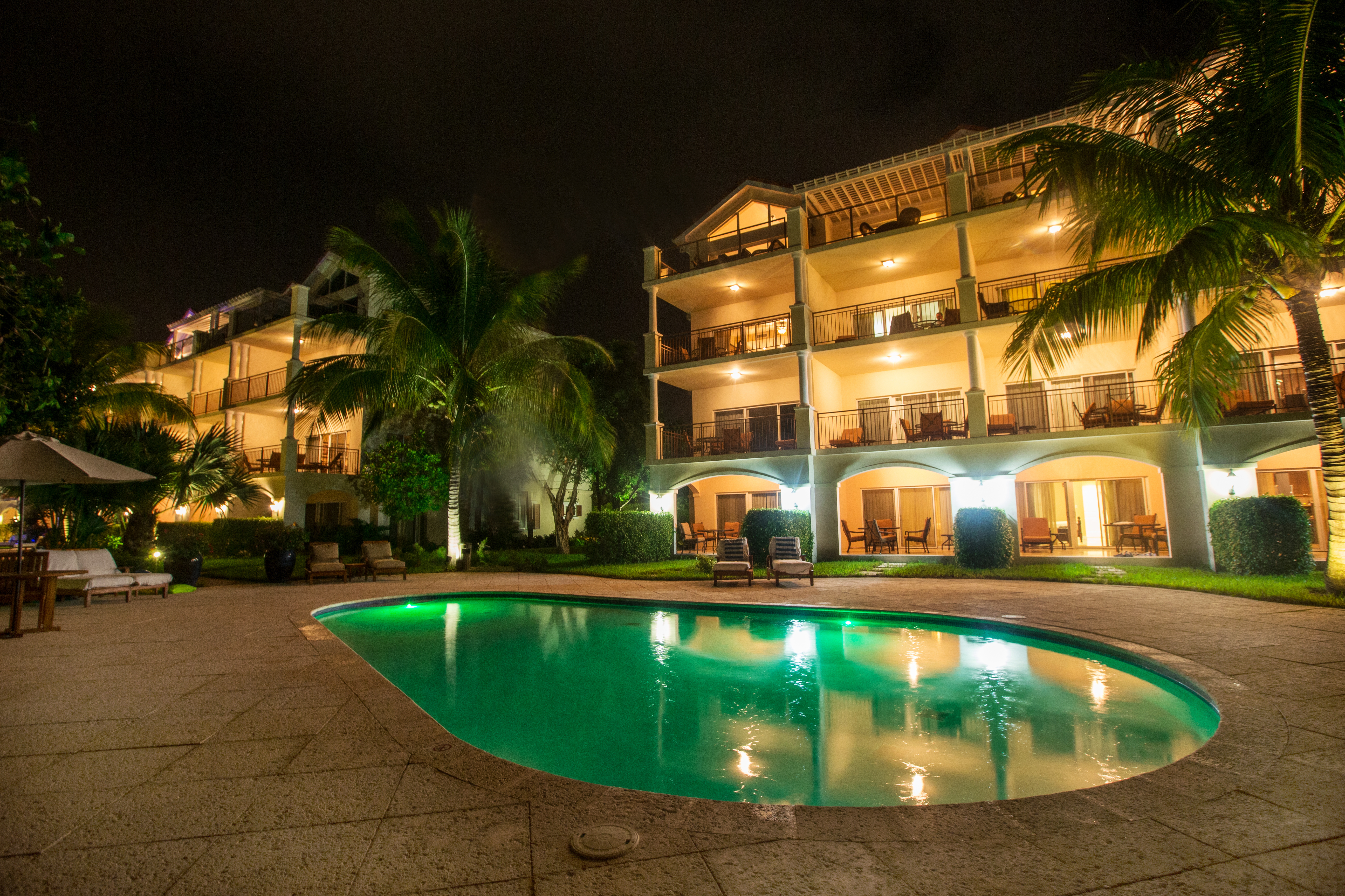 Villa del Mar integrates indoor and outdoor living with a list of superior features and amenities